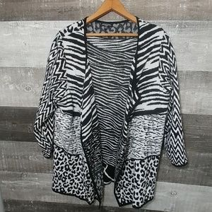 Notation's woman 2pc animal print sweater set